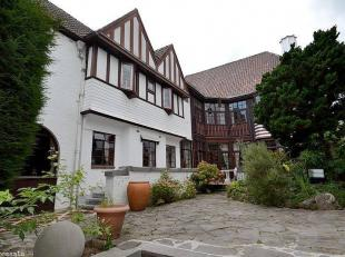 BELANGRIJK: 50 foto's op onze SITE WWW.IMMOROSSATO.BE AV. Ganshoren, spenldide en luxe villa Anglo-Normandische (oppervlak ongeveer 900 m²) op 10