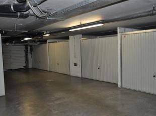 Garage à vendre                     à 8310 Sint-Kruis