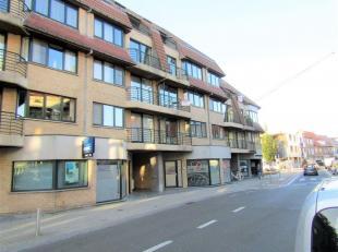Gezellig appartement op het 3de verdiep in Gistel met 2 terrassen.<br /> Dit omvat een inkomhal, toilet, ruime woonkamer met open ingerichte keuken en