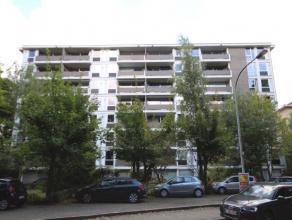 In de residentie Vlinderhof bevindt zich dit twee slaapkamer appartement met een prachtig groenzicht. Het appartement beschikt over de volgende indeli