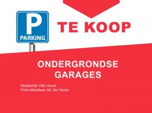 3 ondergrondse garages (2,71 m x 5,30 m) met manuele poorten.<br /> Algemene inrit met automatische toegangspoort.<br /> Nog 2 te koop!<br /> Contacte