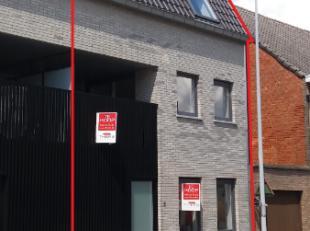Prachtige instapklare woning met 2 grote slaapkamers in het centrum van MoorseleIn het centrum van Moorsele, opde hoek van de Damberdstraat en de Sint