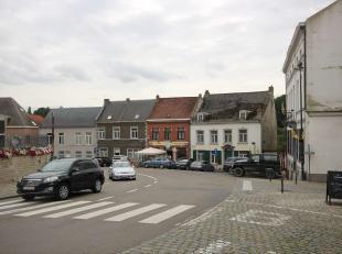 Zeer goed gelegen handelspand met woonst gelegen in het centrum van Overijse. 2are90ca. Momenteel op gelijkvloers: café 't Pleintje met achtera
