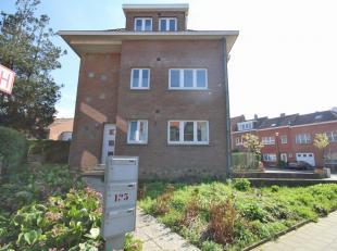 Bel appartement rénové à Woluwe-Saint-Pierre, situé dans un quartier calme dans un petit immeuble au rez-de-chaussé