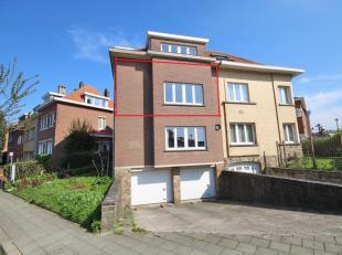 Bel appartement rénové à Woluwe-Saint-Pierre, situé dans un quartier calme dans un petit immeuble au premier étage,