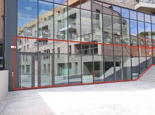 Riante, unieke handelsruimte in hét handelscentrum van Tervuren (prachtig zicht op het nieuwe Hof van Melijnplein), volledig nieuwbouw met een