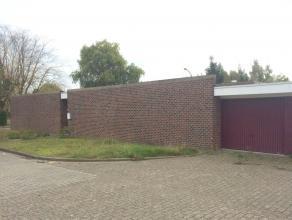 Rustig gelegen HOB met tuintjes en garage te Wijgmaal (Leuven) bestaande uit: Gelijkvloers: inkom, berging met boiler, living met toegang tot patiotui
