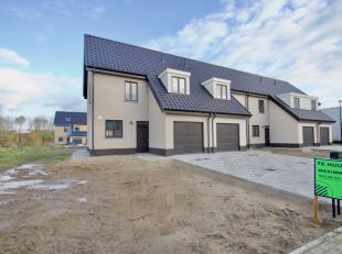 Maison nouvellement construite semi-ouverte récemment construite à louer dans le centre de Lauwe.<br /> <br /> Cette clé nouvelle