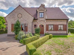 Op een boogscheut van het gezellige centrum  van Sleidinge staat deze zeer nette en ruime woning op een ruim zuid gericht perceel van maar liefst 1.60