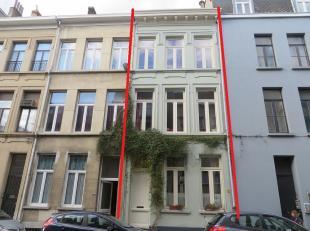 Charmante stadswoning met volledig ingerichte 'Bed & Breakfast' op het gelijkvloers. Zeer goed gelegen centrum Antwerpen, tussen het Stadspark en