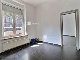 FOREST- PARVIS SAINT ANTOINE : Agréable studio 1 chambre de ±45m² situé au rez de chaussée d'un petit immeuble compos