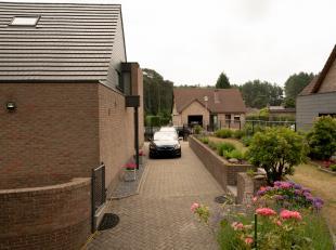 LIGGING:<br /> Vlakbij het recreatiedomein Terhills, in een gezinsvriendelijke en rustige doodlopende straat (Damhertstraat, 3630 Maasmechelen), vind