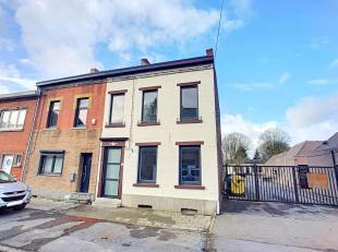 Spacieuse maison 3 façades rénovée récemment (2018, le plafonnage sèche seulement) bien située ds une rue ca