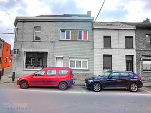 Bonne maison à parachever/rafraîchir située à proximité immédiate des divers services comprenant au rez: livi