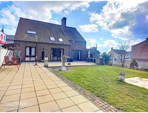 Villa te koop in Courcelles, € 350.000