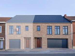 Nieuwbouwwoning in pastorijstijl met 3 ruime slaapkamers, dubbele inpandige garage en tuin. De woning is gelegen te Zichen-Zussen-Bolder, een rustige