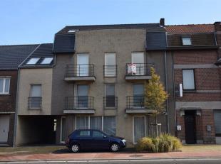 Centraal gelegen appartement met terras en 2 slaapkamers. De ligging is voortreffelijk: in het centrum van Riemst omringd door allerlei faciliteiten d