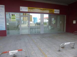 Belle surface de bureau de +- 200m² avec une petite terrasse et parking, situé au coeur de Charleroi sur un axe très fréquen