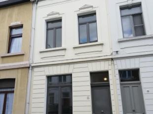 Herenhuis op Zurenborg.<br /> Deze woning is volledig gerenoveerd. Indeling: volledig ingerichte keuken (alle toestellen) , 4 slaapkamers/ 2 per verdi