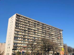 Op te frissen appartement met 2 slaapkamers en zuidgericht terras gelegen nabij Zurenborg! Mooi zicht vanop de 7de verdieping!<br /> EPC Certificaatnu