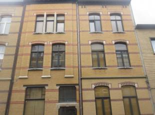 Aangenaam appartement op Zurenborg! Er is geen aparte slaapkamer, maar er is een duplexverdieping waar ruimte is voor een bed.<br /> Je kan de duplexr