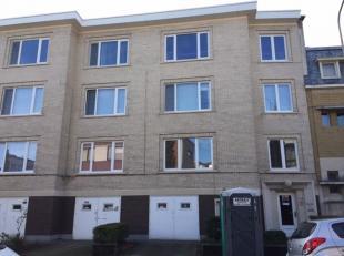 Zeer aangenaam, licht appartement met 2 slaapkamers. Het appartement is gelegen nabij de Koninklijkelaan te Berchem, een rustige buurt dus, maar op ee