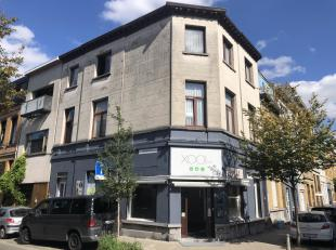 Handelspand bestaande uit een groot winkelpand en twee appartementen.www.vancampenhoutstraat40.beDeze appartementen zijn niet apart vergund. Het betre