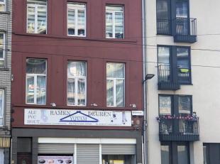 Zeer ruim winkelhuis met woning met o.a. 5 slaapkamers en terras nabij het nieuw justitiepaleis.www.brederodestraat203.beDe winkel is verhuurd voor eu