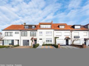 Perfecte woning in een perfecte straat in oud Knokke:Inrichting: 5 slaapkamer, 4 toiletten, 2 douchekamers en een badkamer, enz...Glv: Inkomhal met ve