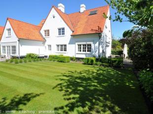 Villa in renovatiemet zuidwestgerichte tuin gelegen op een absolute toplocatie in het hartje Zoute. De villa beschikt op de gelijkvloerse verdieping o