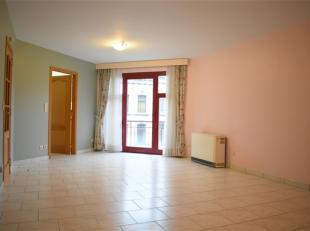 """Agréable appartement sis au 2ème étage de la résidence """"Les Arcs"""" dans le centre-ville. Ce bien est composé d'un ha"""