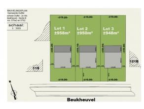 Bouwgronden op residentiële ligging De gronden (open bebouwing) zijn goed gelegen in een landelijke omgeving, op 1.5 km van school en supermarkt.