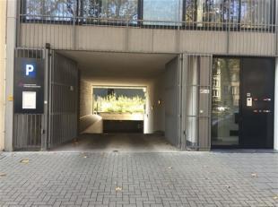Ondergrondse autostaanplaats te huur! Adres: Italiëlei 76, Autostaanplaats nr.30 op verdieping -1. Deze ondergrondse staanplaatsen zijn uiterst v
