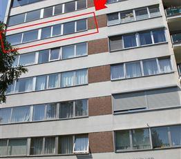 Lichtrijk appartement met 2 slaapkamers<br /> Grootste troeven:<br /> - Veel lichtinval<br /> - Residentiële, rustige buurt<br /> - Bus, tram, wi