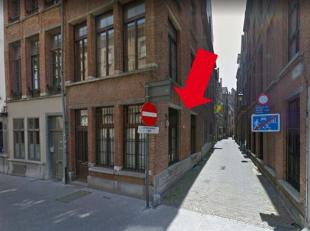 Appartement op toplocatie!<br /> Omgeving<br /> Het appartement is gelegen in een zeer rustige straat, in het hartje van Antwerpen. De Grote Markt bev