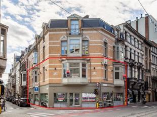 Commercieel gelijkvloers en appartement V1 op de bekende Mechelsesteenweg!<br /> Commercieel gelijkvloers van ca 210 m2 op de Mechelsesteenweg, vlakbi