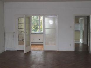 Zeer goed gelegen appartement (Pulhof) met tuin. <br /> Het appartement is gelegen op de tweede verdieping.<br /> Het beschikt over een ruime en licht