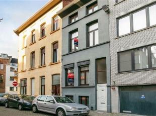 Ruime en rustig gelegen woning met 4 slaapkamers. <br /> De woning is gelegen nabij winkels, scholen en openbaar vervoer in een rustige omgeving vlakb