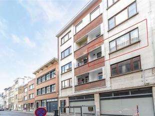 Zeer ruim & licht appartement met 2 slaapkamers en een zonnig terras op toplocatie!<br /> Inddeling: Inkomhal (14m²), Ruime living (28m²