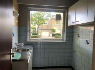 RUSTIG GELEGEN APPARTEMENT MET GROTE TUIN EN GARAGE<br /> Indeling van het appartement:<br /> - Ruime living (32 m²)<br /> - 2 slaapkamers (12m&s