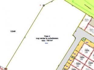 Deze site is gelegen op de industriezone Zuiderpark te Genk en biedt een centrale ligging tussen de E313 en E314.Deze gronden maakt deel uit van een b