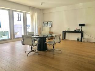 Goed gelegen kantoorruimte in trendy Saint-Gilles, 140m2 , op 2 minuten van Avenue Louise, winkels, restaurants, openbaar vervoer... in recent gebouw