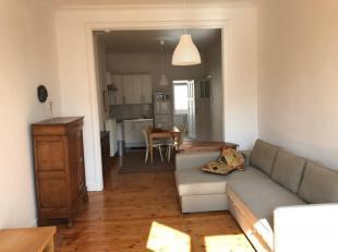 Supergezellig gemeubeld appartement met twee slaapkamers, in herenhuis op statige boulevard met prachtige bomen. Goede bereikbaarheid,  vlak aan ingan
