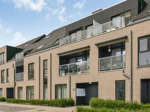 APPARTEMENT 2013 - GELIJKVLOERS - TUIN - TERRAS - GARAGE - STANDPLAATS - 2 SLAAPKAMERS<br /> Dit recent gebouwd appartement op enerzijds een locatie m