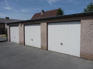Garagebox nabij het centrum Torhout (Rijselstraat, rechtover Eureka school). Huur mogelijk voor zowel kortere als lange termijn, 45 euro per maand, ge