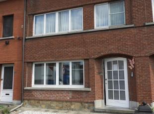 AALST - Totaal gerenoveerde woning nabij centrum Aalst<br /> Deze woning beschikt op het gelijkvloers over een inkomhal, een ruime woonkamer met veel