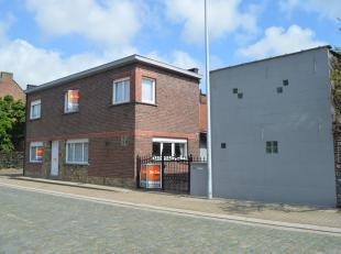 EERSTE BEZOEKDAG VRIJDAG 30 AUGUSTUS VAN 17u TOT 19u (op afspraak!)<br /> MELDERT - Deze eigendom bestaande uit een woonhuis (links vooraan) met bijho