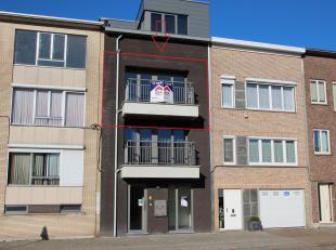 Dit recent gebouwd appartement op de 2de verdieping is zeer centraal gelegen en bevindt zich in een klein rustig gebouw zonder lift. Wanneer we het ap