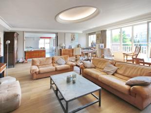 FORREST/UCCLE : splendid bright 214m² Penthouse. Entrance hall with guest toilet, great living room of 54m², dining room of 33m² with o
