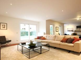 WOLUWE SAINT PIERRE, prestigeous area between Montgomery square and Woluwe Park. In a superb 2005 building, luxury 308m² duplex (groundfloor + 1s